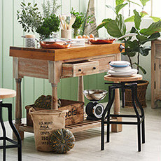 Kitchen Islands & Chopping Blocks