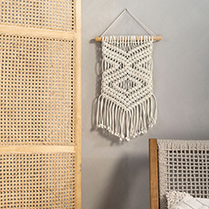 Wall Hangings & Accents