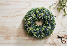 How to make easy floral Christmas wreaths: Part 3