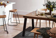 How to mix different timber tones