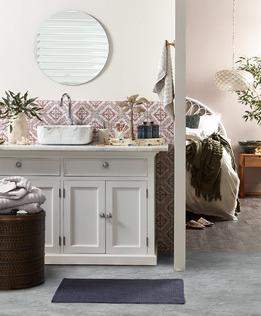 Tranquil Classic Bathroom