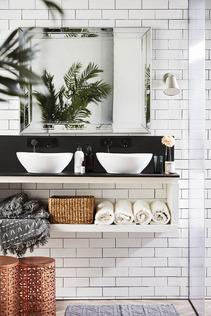 Easy Clean Bathroom