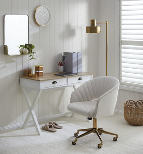 Luxe White Office Space