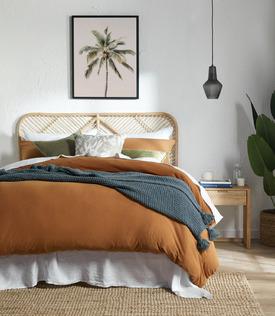 Relaxing Natural Bedroom