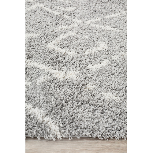 Network Rugs Silver & Ivory Zohra Fringed Rug