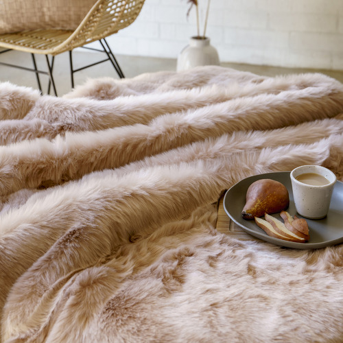 Bambury 1250GSM Faux Fur Throw