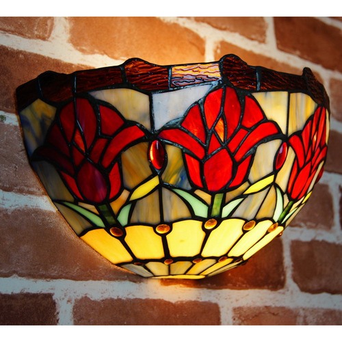 Tiffany Emporium Traditional Colonial Style Tulip Tiffany Wall Sconce