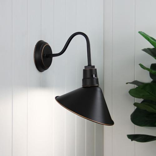 Zander Lighting Black Bayou Metal Wall Light