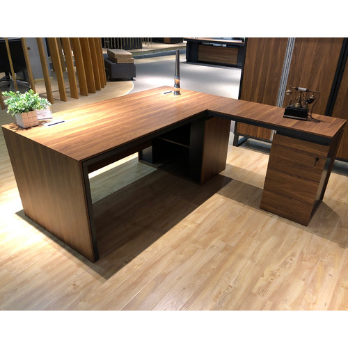 Innova Australia Burton Executive Desk