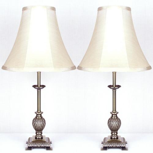 Kloe Lighting Lily Table Lamp