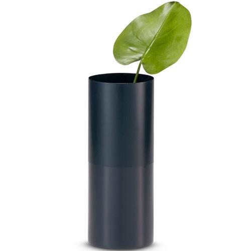 Salt & Pepper Duality Iron Vase