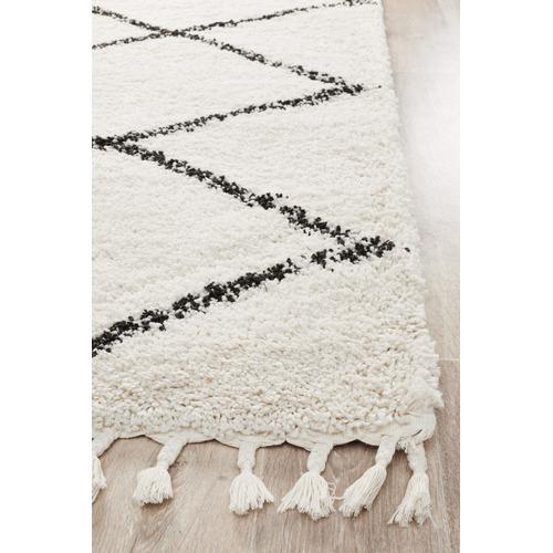 Black & White Viona Fringed Rug