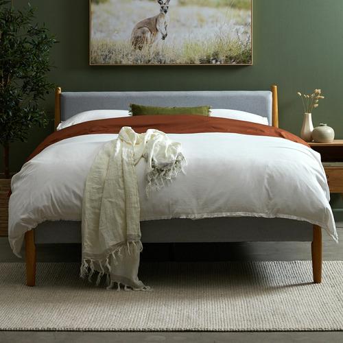 Light Grey Bronte Upholstered Queen Bed