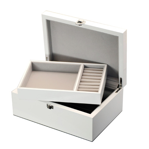 Kandi Medium White Kandi Luxury Jewellery Box