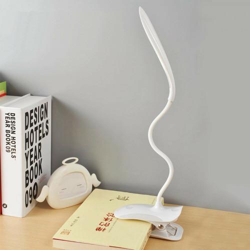 Todo Newsam Gooseneck LED Desk Lamp