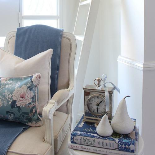 Elizabeth - Peony Blu Linen-Blend Cushion Cover