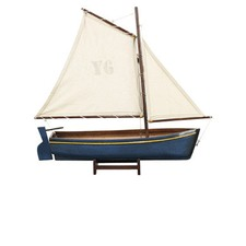 Madeira Y6 Lateen Rigged Model in Blue