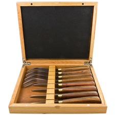 8 Piece Rose Wood Oyster Set