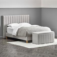 Oak White Charlotte Bedroom Set with Storage Ottoman