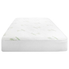 Laura Hill  Bamboo Fitted Mattress Protector