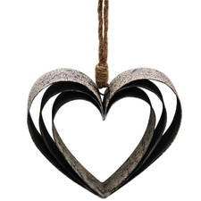 Triple Heart Metal Hanging Wall Accent
