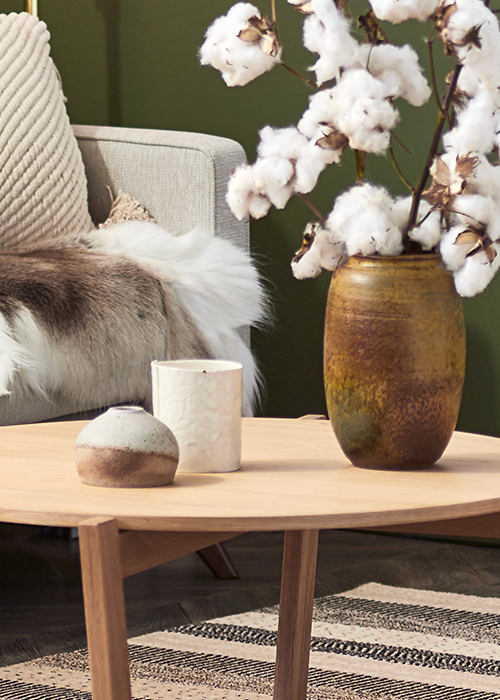 Organic shapes and sculptural florals complete the look. Styling – Sarah Cousens. Photo – Denise Braki.