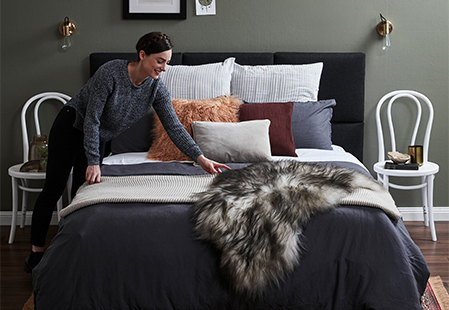 How to layer a bed like a stylist