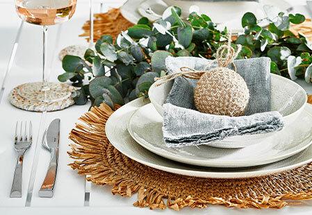 How to create a coastal Christmas table