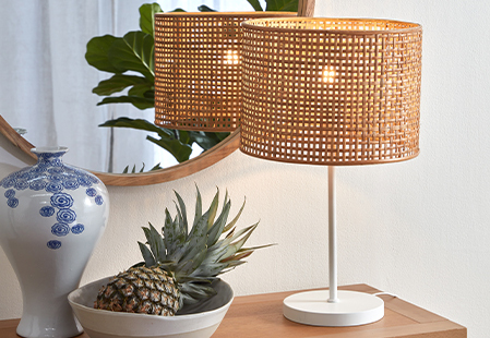 How to clean lamps and light fixtures